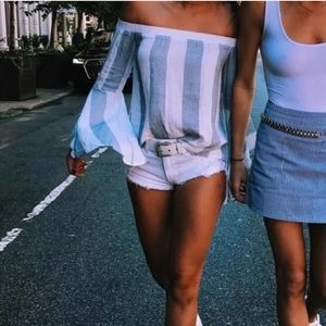 LF SEEK The Label Off the Shoulder bell sleeve top